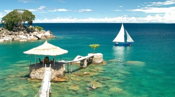 lake-malawi-sailboat